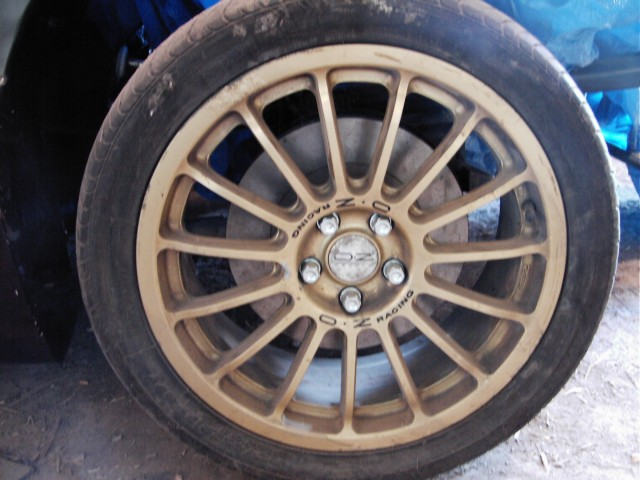 A gold version of the wheels my Murtaya will wear.